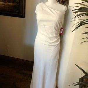 Vince camuto cream evening gown. Off shoulder